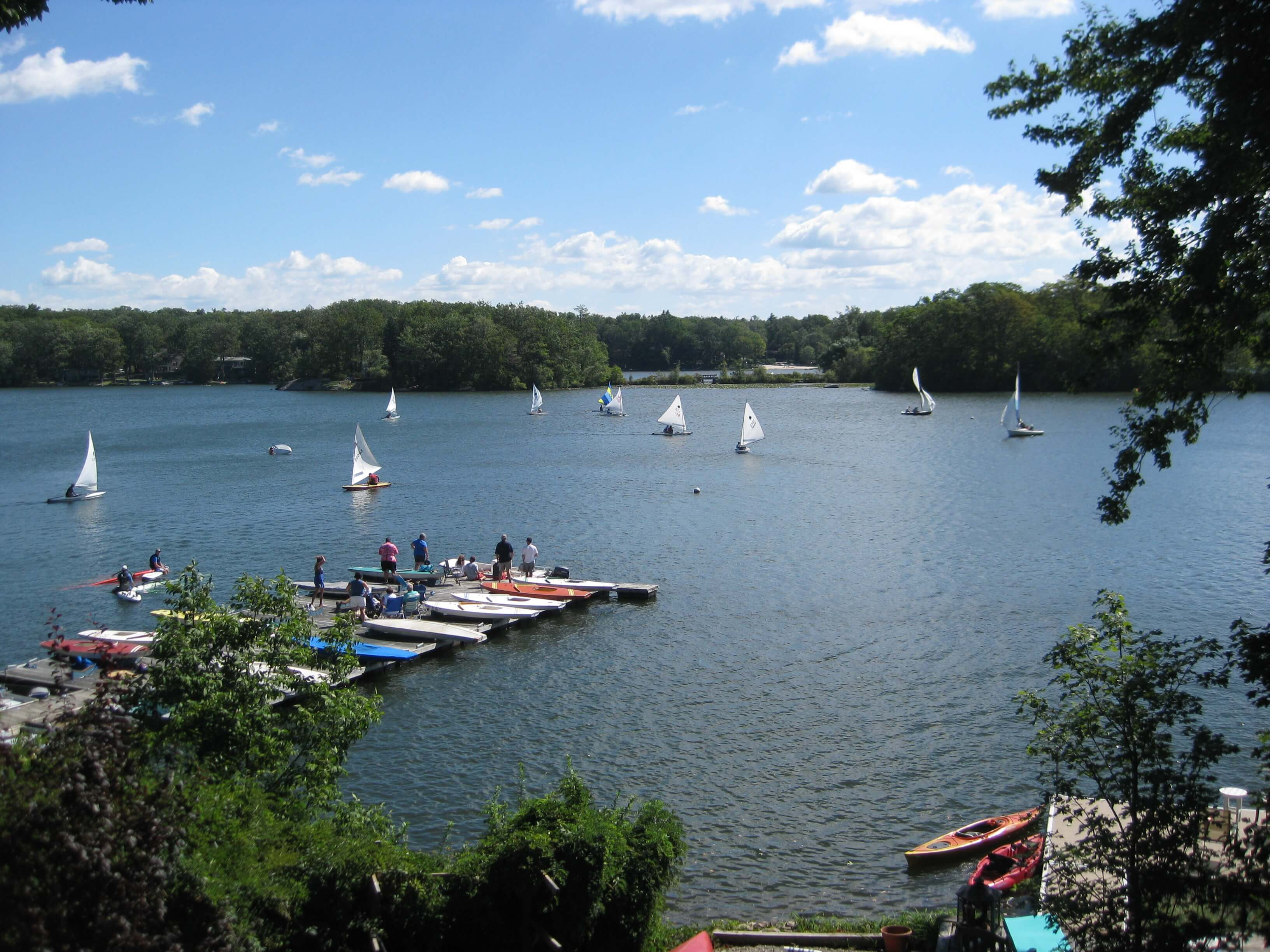 highland lake single girls We have five active sailing fleets in highland lakes – sunfish, force 5,  and a  ladies fleet for those age 19 and over as a singles race on thursdays, and.